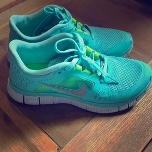 Tiffany Blue Nike free runs